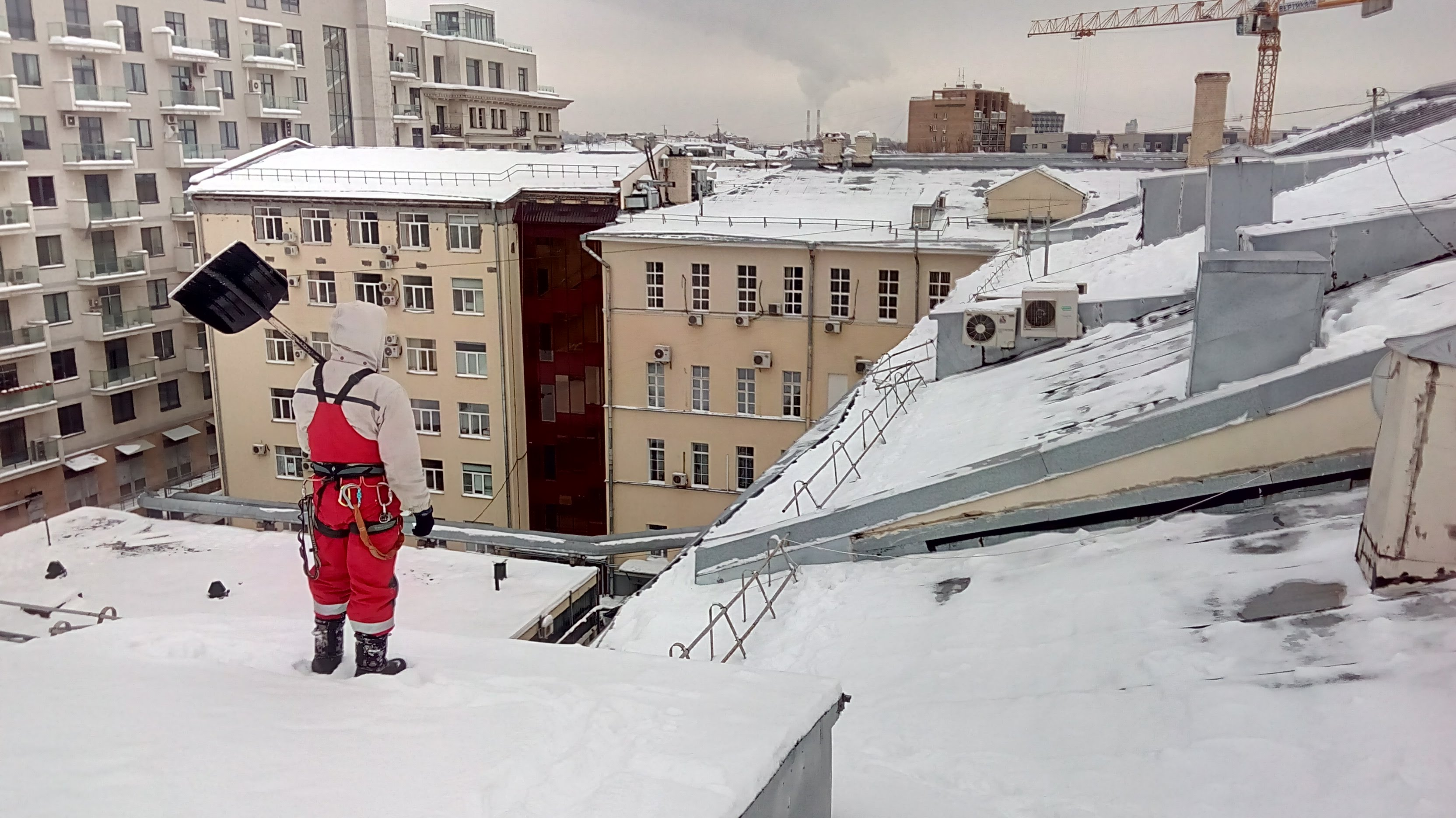 снег на крыше дома картинки когда