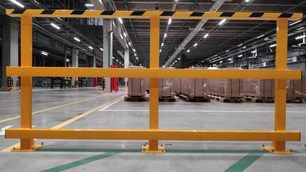 Металлическое ограждение для склада