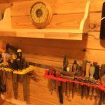 Столярные инструменты в мастерской