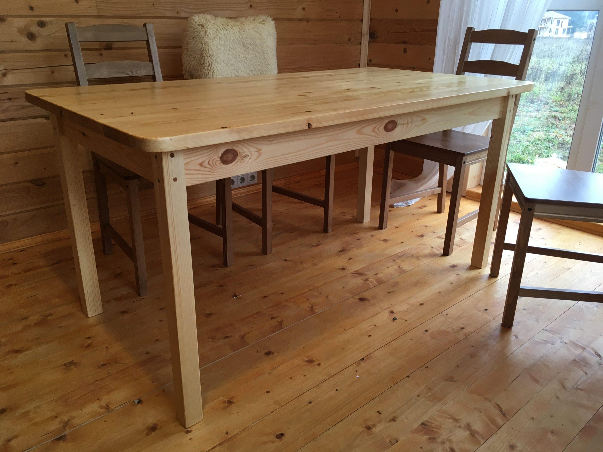 Деревянный стол из сосны